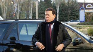 Venäläinen laulaja Iosif Kobzon saapui konserttiinsa Donetskissa 27. lokakuuta 2014. Kobzon on myös EU:n pakotelistalla.
