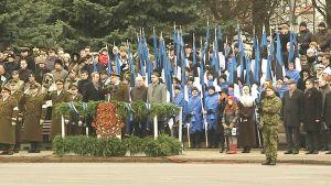 Viron itsenäisyyspäivän paraati Narvassa.