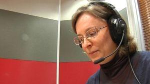 Natalia Giloeva lukee karjalankielisiä uutisia