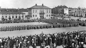Saksalaisen jääkäripataljoona 4:n paraati Vaasan torilla 1.6.1918