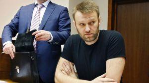Vangittu oppositiojohtaja Aleksei Navalnyi moskovalaisessa oikeussalissa 27. helmikuuta.
