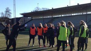 FC Rosengård harjoituksissaan Malmössä
