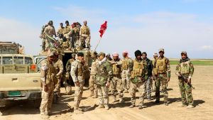 Irakilaisia sotilaita kasarmialueella Tikritin eteläpuolella.