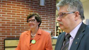 Kansanedustajat Ismo Soukola ja Sirkka-Liisa Anttila