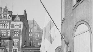 Helsinki juhlii rauhaa Talvisodan päätyttyä.