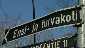 Ensi- ja turvakodin viitta Jyväskylässä.