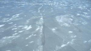 Railoja jäässä.