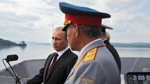Vladimir Putin ja Sergei Shoigu.