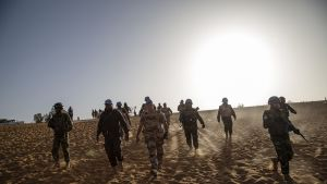 YK:n rauhaturvaajia Malissa 25. helmikuuta.