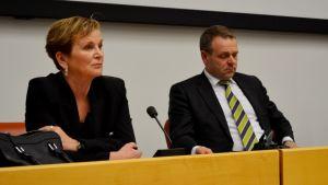 Ympäristöministeriön kansliapäällikkö Hannele Pokka ja elinkeinoministeri Jan Vapaavuori vierailivat Kajaanissa.