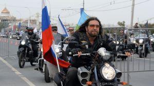 Moottoripyöräjengi Yön susien johtaja Aleksandr Zaldostanov