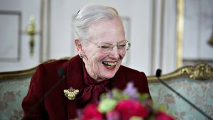 Tanskan kuningatar Margareeta lehdistötilaisuudessa.