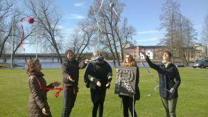 HAMKin Arja Pehkonen ja opiskelijat sekä vaatteiden vallankumous: