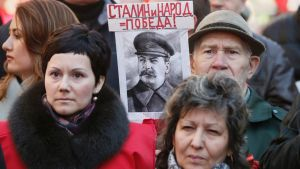 Moskova mielenosoitus Ukrainan lähetystön edessä
