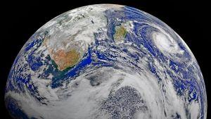 Maapallosta näkyy Afrikan eteläkärkeä, eteläistä valtamerta ja Intian valtamerta.