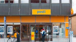 Postin toimiste Kuopiossa.