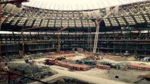 Stadionia rakennetaan.