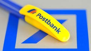 Postbankin mainoskynä.