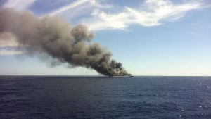 Palma de Mallorcasta lähtenyt Sorrento-lautta tulessa 28. huhtikuuta.