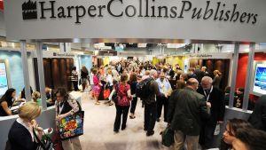 Kustantamo HarperCollinsin osasto kirjallisuusmessuilla New Yorkissa vuonna 2011.