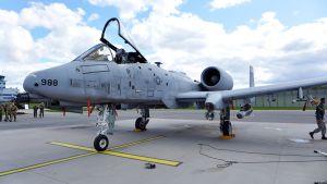 Yhdysvaltain ilmavoimien A-10 rynnäkkökone.