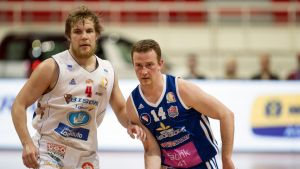 Bisonsin Antto Nikkarinen (vas.) ja Katajan Petri Virtanen