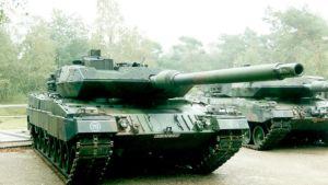 Oulussa Puolustusvoimain lippujuhlan päivässä nähdään myös yksi Leopard 2A6 -panssariajoneuvo.
