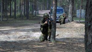 Sotilaat harjoittelevat.