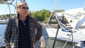 Veli Kärkkäinen kiersi Pohjoisnavan Lena-veneellään Koillisväylän kautta