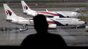 Malaysia Airlinesin matkustajakoneita Kuala Lumpurin lentokentällä heinäkuussa 2014.