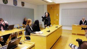 Vauvasurmien oikeudenkäynti Oulussa.