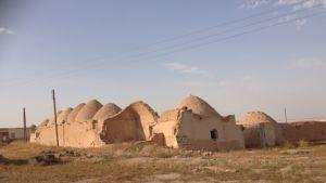 Tuhoutunut kylä Pohjois-Syyriassa.