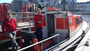 Pekka Huusko katselee merelle viimeisiä päiviä Otkantin perätuhdolta.