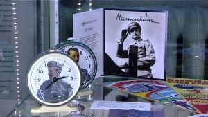 Mannerheim-näyttelyssä on mukana monenlaisia Juha Levosen keräämiä esineitä