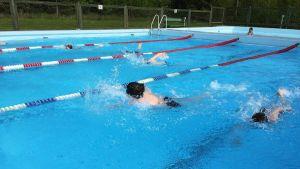 Uintia triathlon-kisoissa.