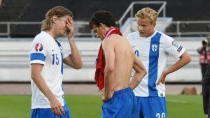 Suomen pelaajia pettyneinä