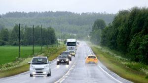 Autolekta sateessa matkalla pohjoiseen
