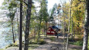 Hirvijärven leirikeskus on kesällä idyllinen paikka