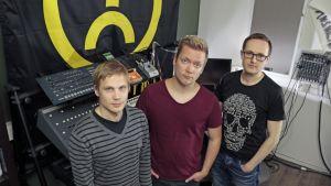 Hector 87, Timo Juuti ja Juha Moisala Youth Control -levy-yhtiön studiolla.