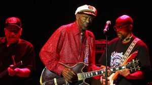 Chuck Berry esiintymässä Santiago de Chilessä huhtikuussa 2013.