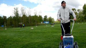 Laihialainen Pasi Välimäki on tehnyt talkootöitä useita vuosia. Lentopalloilun Power Cupissa hän toimi kenttäpäällikkönä.