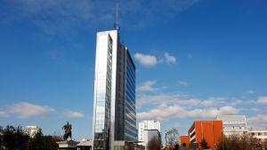 Kosovon hallituksen rakennus Pristinassa.