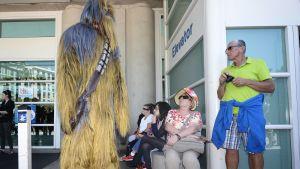 Comic Con International -sarjakuvafestivaali alkoi San Diegossa, Kaliforniassa, torstaina 9. heinäkuuta. Kuvassa festivaalin osallistuja on pukeutunut Star Warsin Chewbacca-hahmoksi.