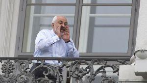 Iranin ulkoministeri Mohammad Javad Zarif Wienissä, Itävallassa maanantaina.