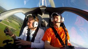 Kopteri pysyi ilmassa ja jopa pohjaan kiinnitetty kamera (GoPro) selvisi lennolta ehjänä.