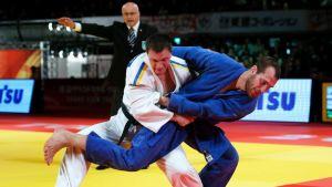 Martin Pacek sinisessä judopuvussa