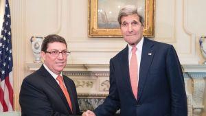 Kuuban ulkoministeri Bruno Rodriguez ja Yhdysvaltain ulkoministeri John Kerry tapasivat Washingtonissa 20. heinäkuuta.