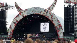 Santa Cruz AC/DC:n konserttilavalla Hämeenlinnassa
