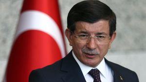 Turkin pääministeri Ahmet Davutoglu pitää puhettaan.