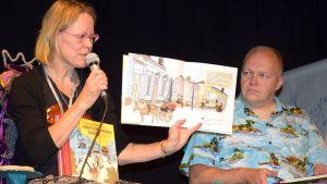 Kirjailija ja kuvittaja esittelevät kirjaansa lasten taidefestivaaleilla